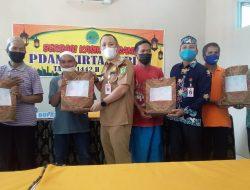 PDAM Tirta Barito Berbagi 150 Paket Sembako Kepada Masyarakat