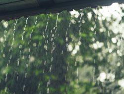 Cuaca di Indonesia Selasa Ini: Manokwari dan Mamuju Hujan Ringan, 31 Kota Lainnya Cerah Berawan