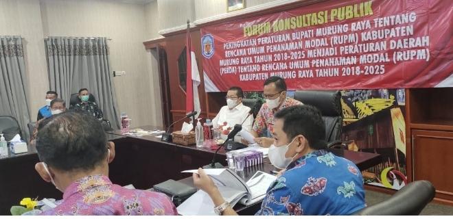 Bupati Mura Perdie M Yoseph menghadiri Forum Konsultasi Publik untuk peningkatan peraturan bupati Mura tentang rencana umum penanaman modal (RUPM) Kabupaten Mura tahun 2018-2025 menjadi Peraturan daerah (Perda) tentang RUPM Kabupaten Mura tahun 2018-2025.